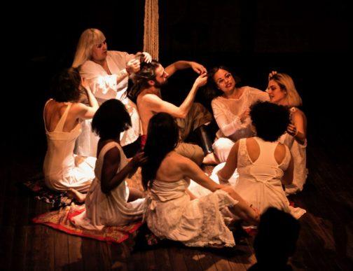 PARIR, VOLVER AL VIENTRE en el Teatro de las Culturas
