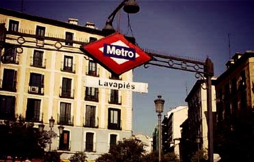 calle+artistas+urbanos+lavapies+madrid