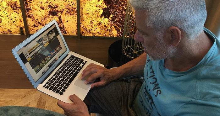 Joe Arlauckas Madridom Laptop