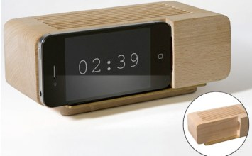 iPhone/iPod Wooden Alarm Dock