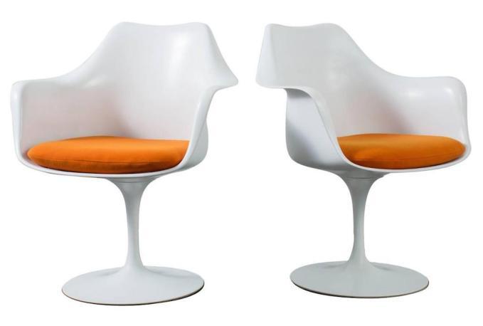 Pair of Vintage Tulip Armchairs by Eero Saarinen for Knoll.