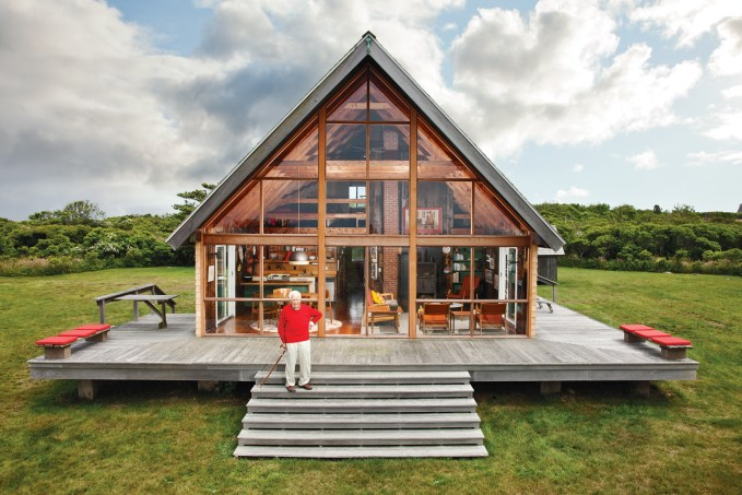 Jen Risom's Block Island Family Vacation Home | Image via Dwell