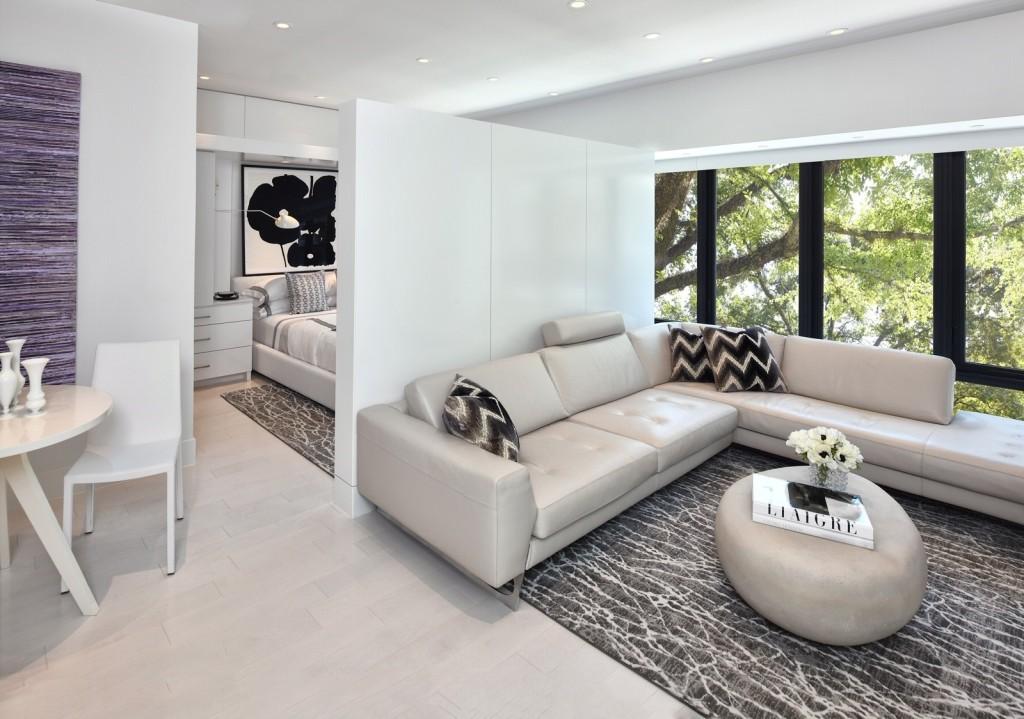 Gary R. Chandler Architecture & Interiors guest suite living area