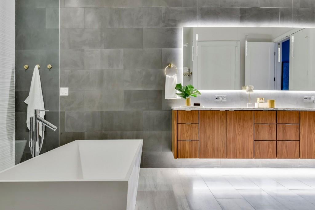 Britt Design Group master bathroom