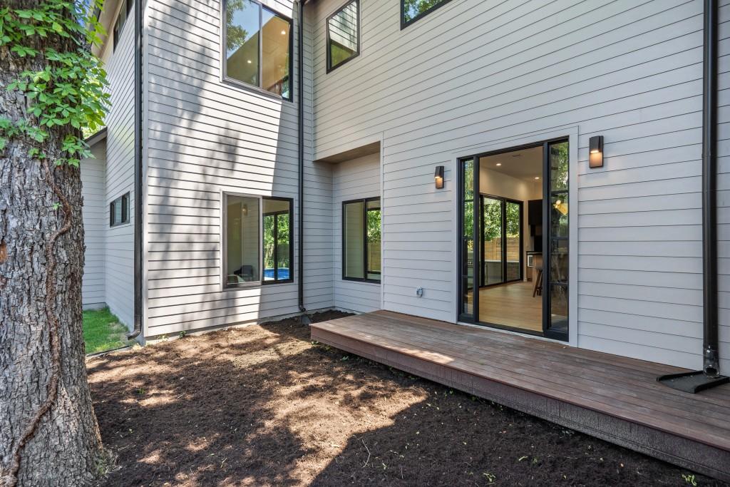 Studio Momentum Architects Courtyard