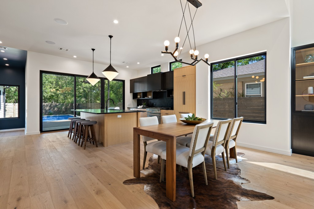 Studio Momentum Architects Dining Room