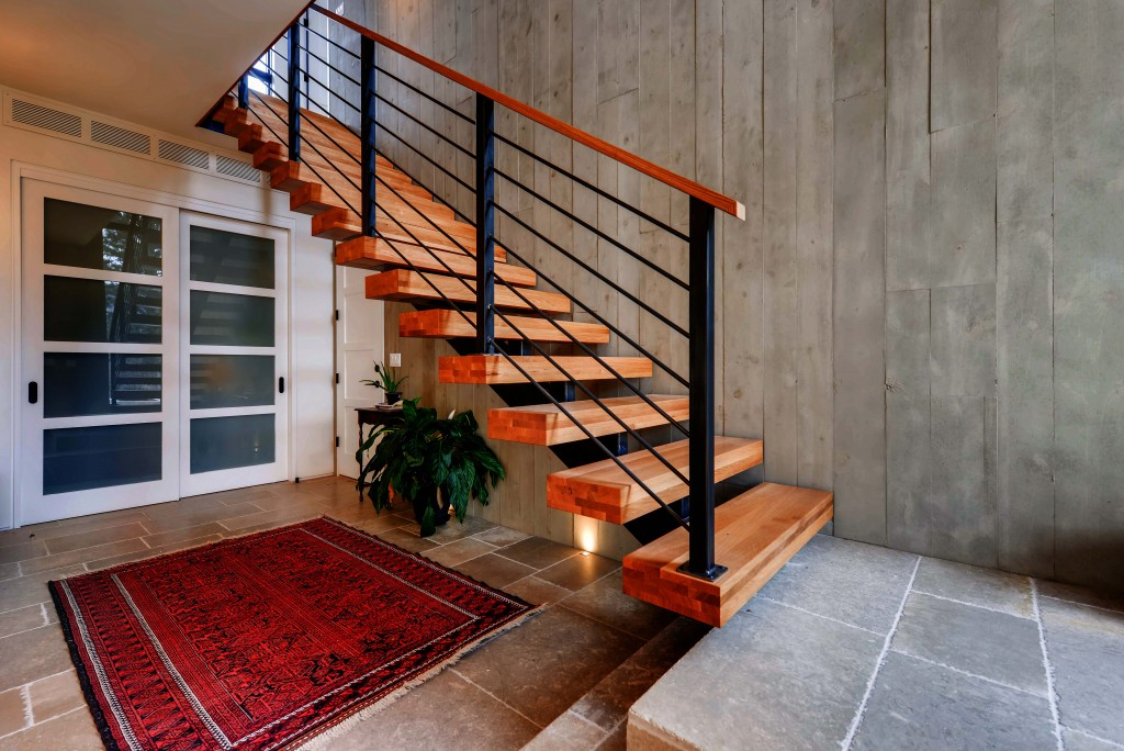 Rodwin Architecture & Skycastle Construction Entryway and staircase