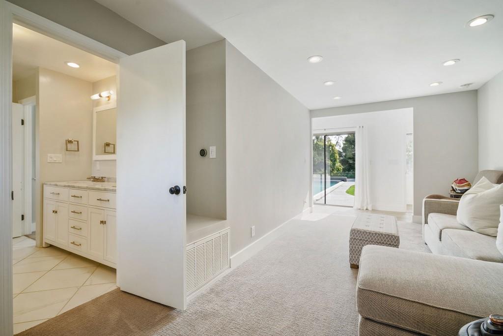 Studio SHK NEW In-Law Suite Living-Bath