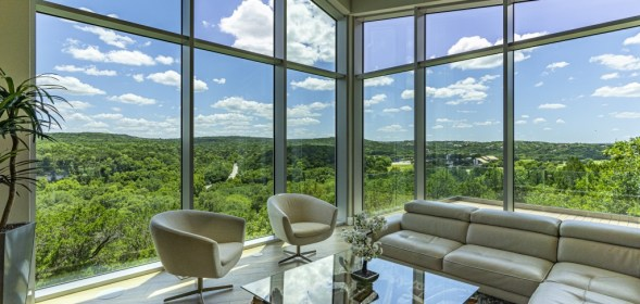 Barley|Pfeiffer Architecture's Dark-to-Light Austin Remodel