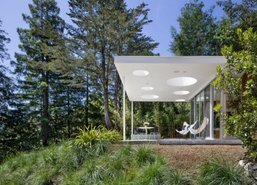 Turnbull Griffin Haesloop Architects' modern guest house redefines multi-functionality