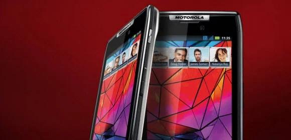 Motorola RAZR Takes Slimness to a New Level