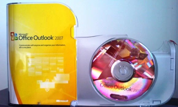 Importing and Exporting Mail Boxes in MS Outlook 2007
