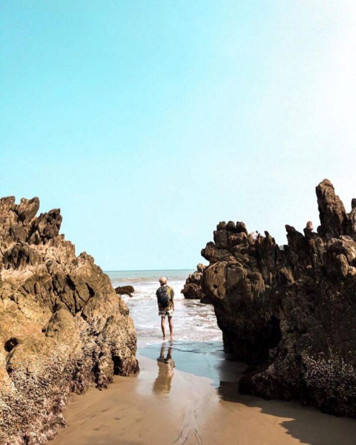 10 Wisata Pantai di Jawa Barat dengan Cerita Horornya ...
