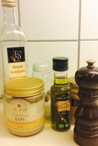 Ingerdienser til honningdressing