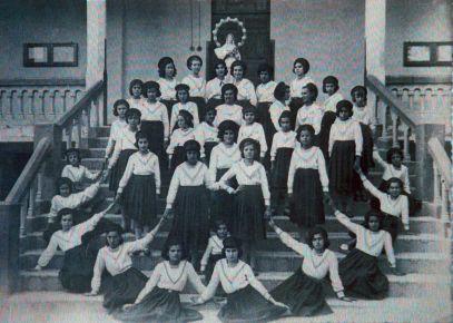 Primeiras alunas do Colégio