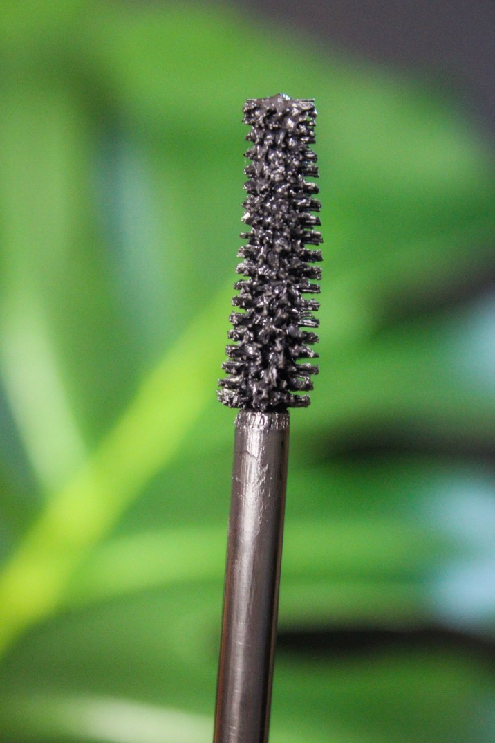 Essence Volume Stylist 18hr Curl Hold Mascara Wand