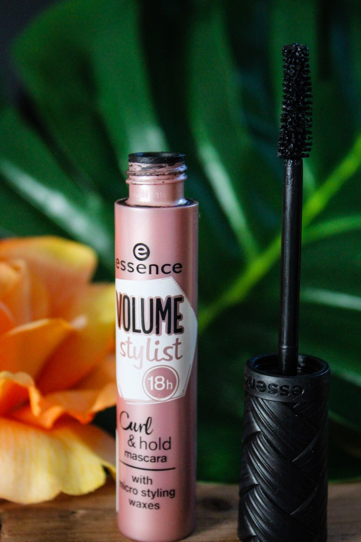 Essence Volume Stylist 18hr Curl and Hold Mascara
