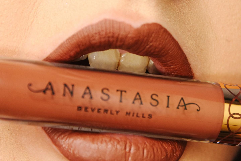 Swatching Anastasia Beverly Hills Deep Neutral Liquid Lipsticks 16