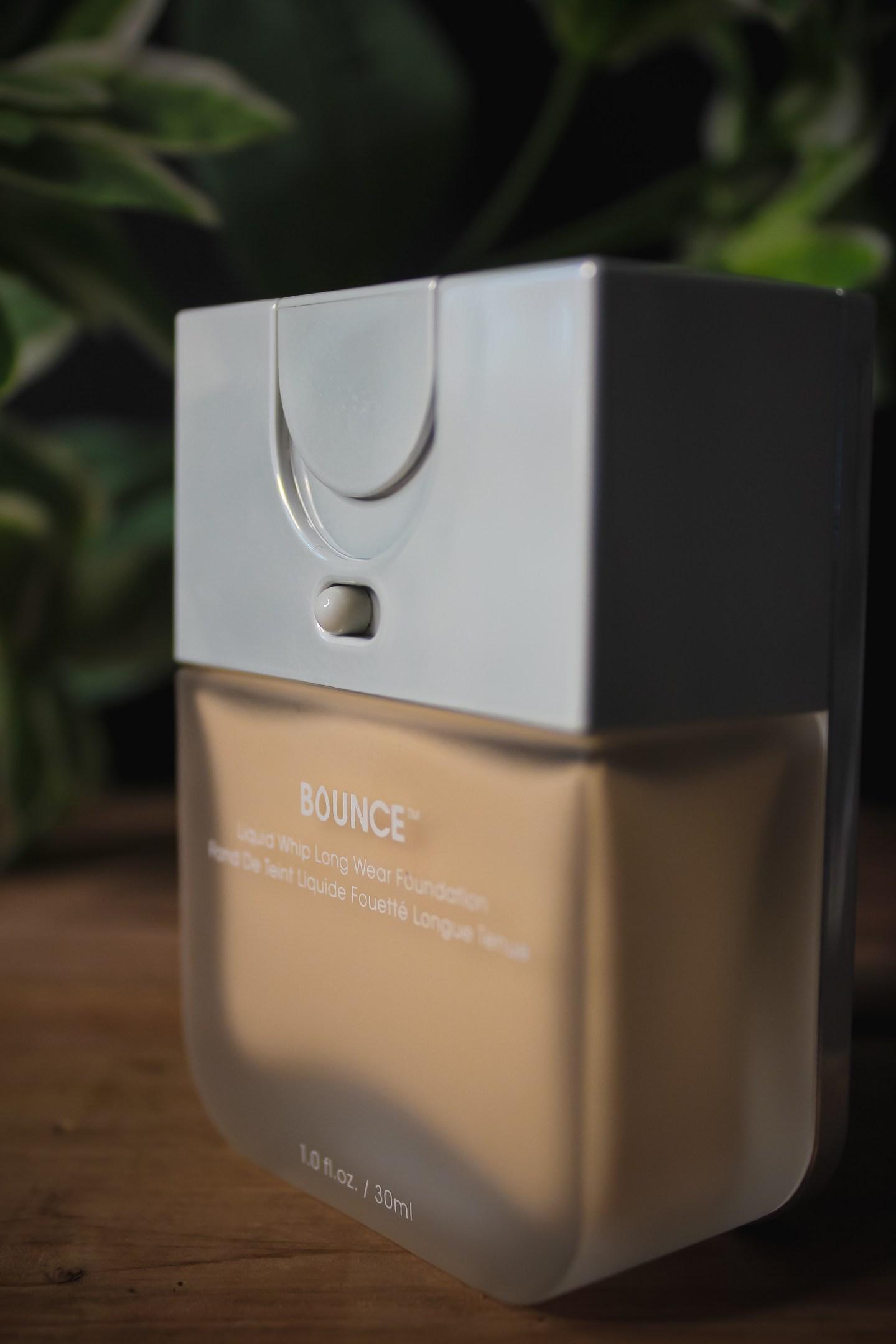 BeautyBlender Bounce Liquid Whip Long Wear Foundation Review & Wear Test 1
