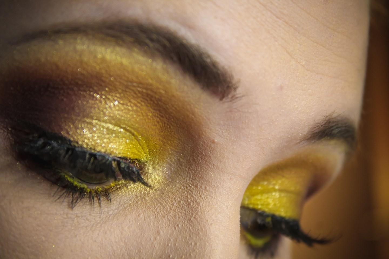 3 Looks 1 Palette: UOMA Beauty Allure Black Magic Color Palette 6