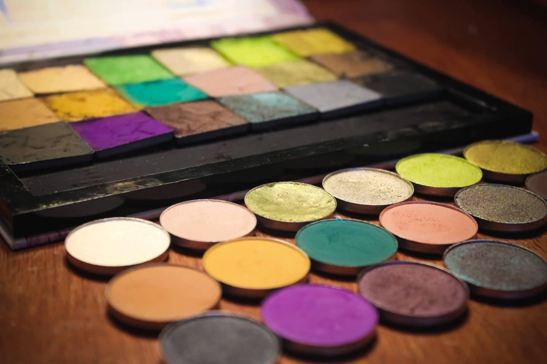 Can We Dupe it? Jeffree Star Cosmetics Alien Palette 8