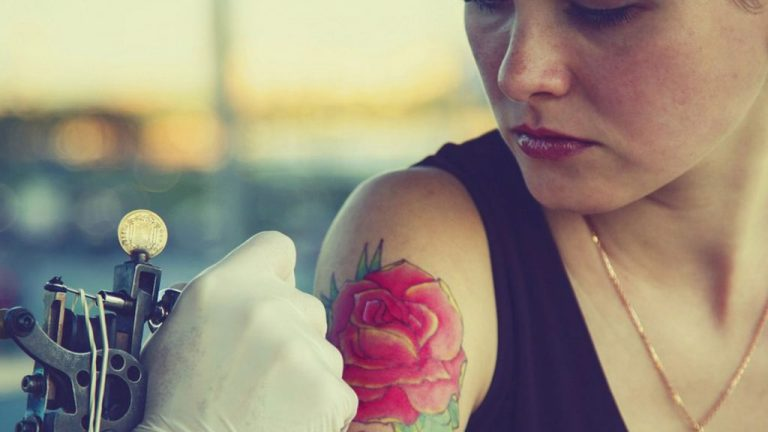 Pode Fazer Tatuagem Amamentando?