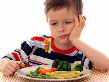 criança seletiva para comer