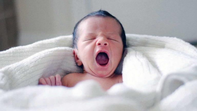 Bebê que dorme demais