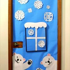 Natale idee per decorare la porta della tua sezione for Porte natalizie scuola