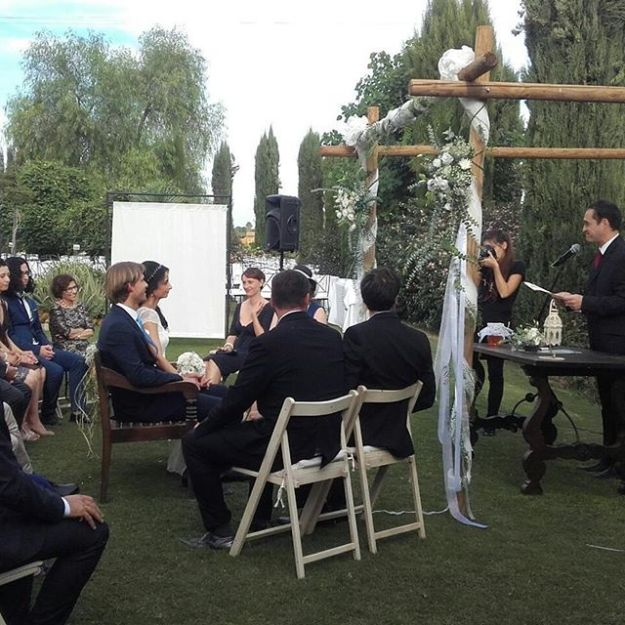 Civil wedding ceremony Sevilla, Andalucia at Hacienda Los Miradores. Ceremonia en Inglés en Sevilla, andalucia. #sevillawedding #sevillaweddings #bodacivilsevilla #ceremoniasandalucia #sevillaceremony #civilweddingseville