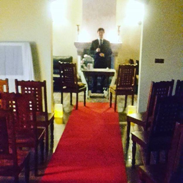 Celebramos la ceremonia de boda civil en una preciosa finca de la provincia de Valladolid. Un paraje precioso, una finca enorme con multiples y variadas propuestas de ocio para todas las edades.Presentadores de Eventos y Maestros Oficiantes de Ceremonias y civiles en Valladoli toda España, Celebraciones Boda Civil Bilingüesmc@maestrodeceremonias.esTel 644 597 199#www.maestrodeceremonias.es #bodacasonadeandrea #ceremoniasciviles #oficiantesdeceremonias #bodaeninglesvalladolid #ceremoniabilingüe #ceremoniasconencanto #oficiantesdeceremoniasmadrid#bodaspersonalizadas #tiedraweddings #boda2017#bodaadomicilio #bodacivilentiedra #