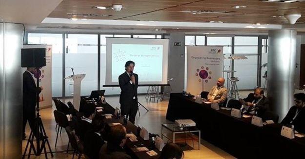 Hosting Corporate event for STC, Real Madrid Partner at Santiago Bernabeu VIP corporate meeting Area.Www.presentadoresdeeventos.com www.maestrodeceremonias.es Tel: +34 644 597 199 #bilingualhost #bilingualspeakersmadrid #bilingualhostspain #bilingualspeakerspain#masterofceremonyspain #masterodceremoniesbernabeu #speakerbernabeu