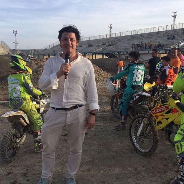 Hoy presentando en Almería el evento motero ON Route de Billy Goat Garage @billygoatgarage con exhibición de motocross, conciertos de Apaches y El Hombre Orquesta y Los Rollos DJs Fonsi Nieto y Oliver Narbona....#billygoatgarage