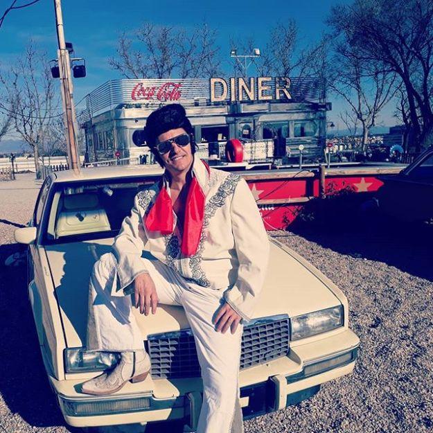 ¿Quieres que sea el maestro de ceremonias de tu boda? Todo es posible el día de los enamorados en @autocinemadridrace_oficial wedding Chaple. Tu vida es Rock and Roll.Elvis: @castaguillermo#madridlasvegas #lasvegasspain#corporateeventspeaker#corporateMC #CorporateMasterofCeremonies #bilingualspeakers #madridenglishspeaker #sportspeakers #speakerelvis #speakerenmadrid #speakereningles #elvismadrid #elvisspainmc #bilingualhost #bilingualmc #bilingualmcspain #elvisforevents #elvisparaeventosWww.maestrodeceremonias.es Www.presentadoresdeeventos.com +34 644 597 199Mc@maestrodeceremonias.es