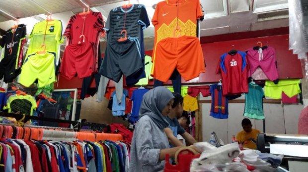 toko baju futsal di makassar