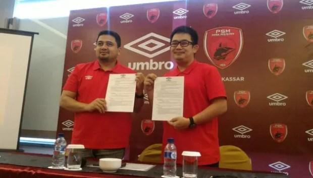 jersey sepak bola terbaru PSM makassar dengan sponsor umbro
