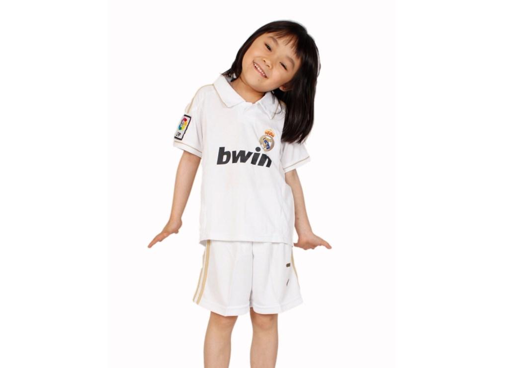 baju bola anak perempuan