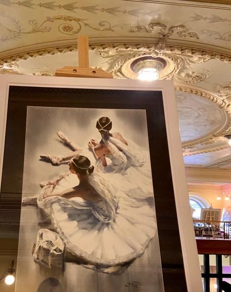 картины анны ивановой на выставке русский балет мода навсегда
