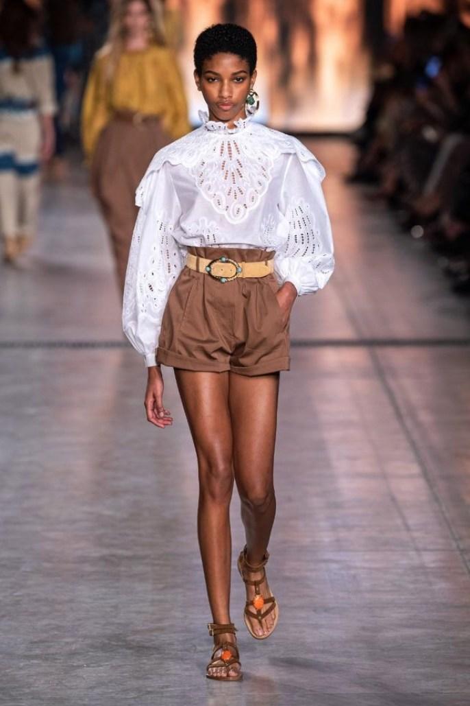 Рубашка с вышивкой и объмными руквами Alberta Ferretti