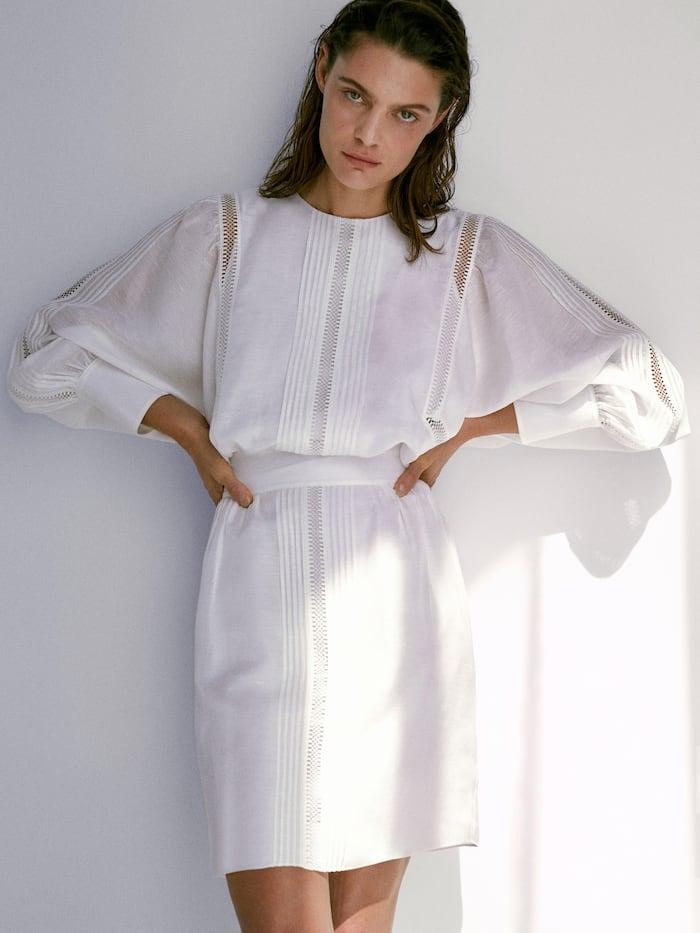 платье изо льна с кружевом