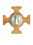 il existe un modèle où la médaille est intégrée dans une croix