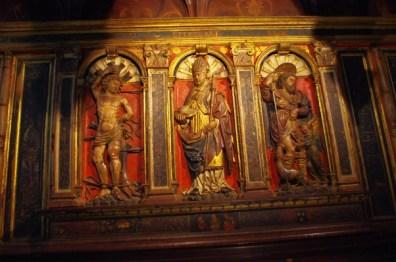 Les panneaux de gauche subsistent eux aussi comme retable de l'autel disparu représentant saint Bertrand, saint Roch et saint Sébastien,