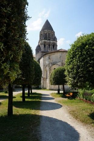 saintes 17 ABBAYE aux dames - jardins -