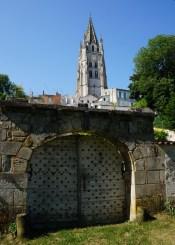 saintes -saint eutrope clocher coté jardins