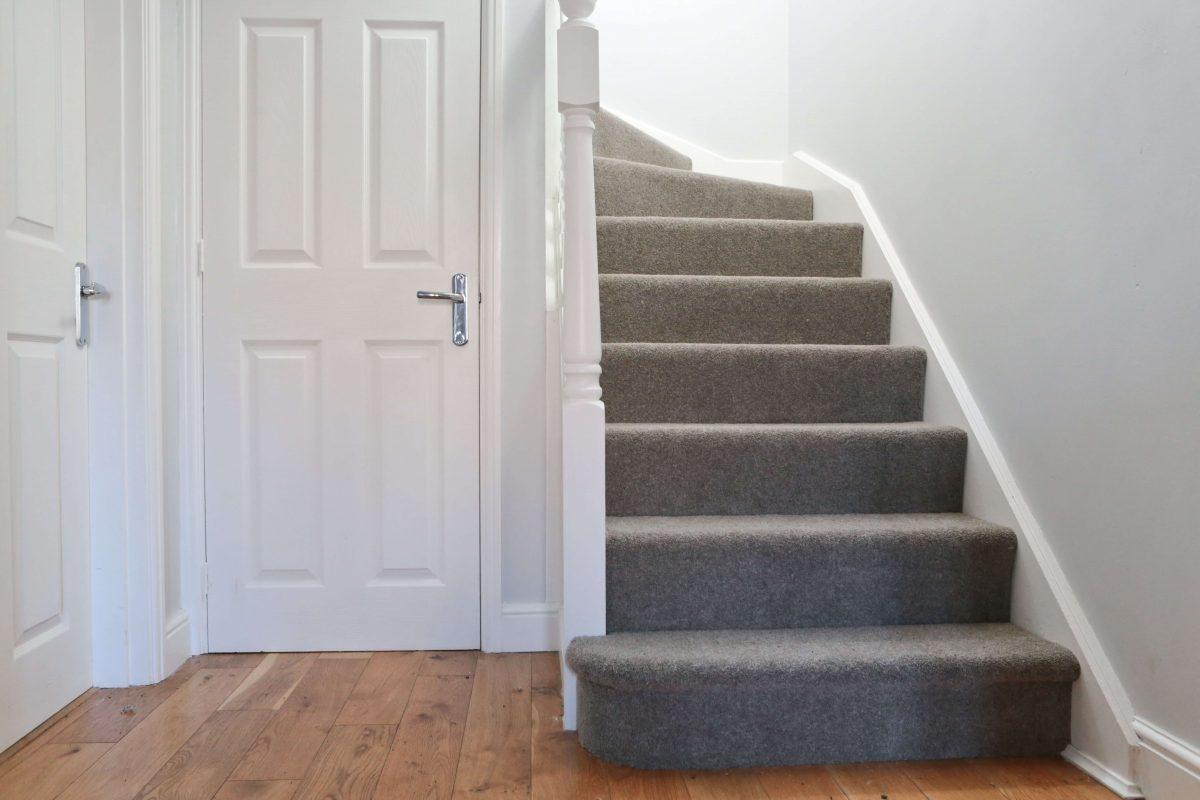 10 Tips For Choosing Carpets For High Traffic Areas Like Halls   High Traffic Stair Carpet   Family Room   Hard Wearing   Pattern   Unusual   Geometric