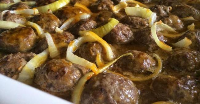 On craque pour les boulettes porc et boeuf dans une sauce au sirop d'érable et moutarde