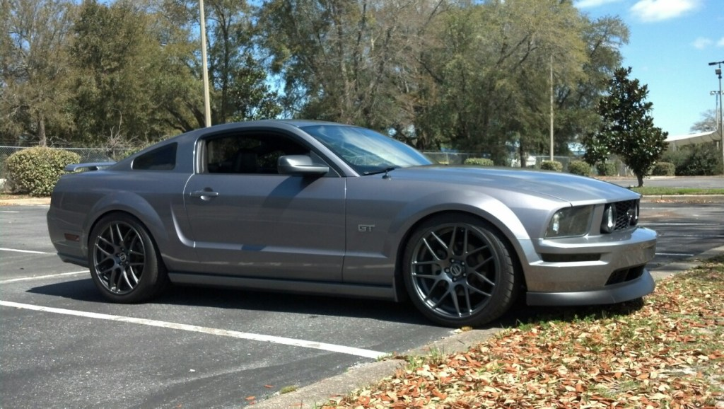 Ford-Mustang 2005 стенс