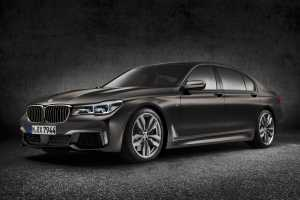 p90208690-bmw-m760li-xdrive-exterior-bmw-individual-frozen-dark-brown-metallic-02-2016-2089px