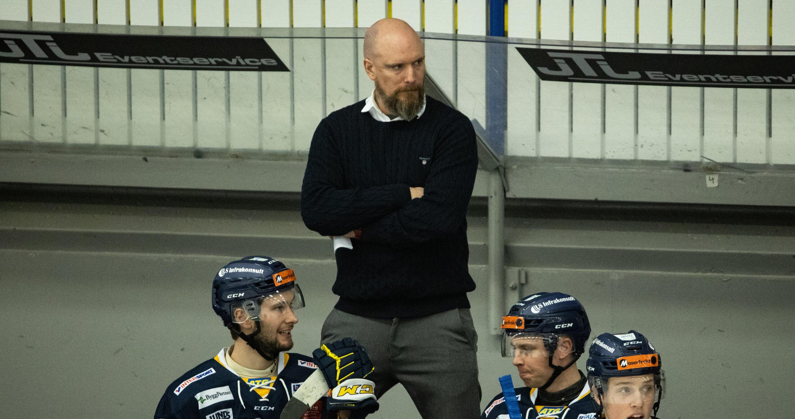 Gustafsson fortsätter som huvudtränare