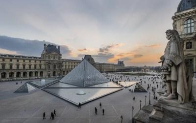 Louvre-pyramiden – et kontroversielt mesterverk